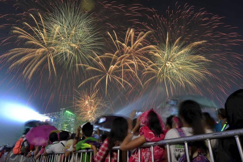 New Year Celebration in Philippines 2019