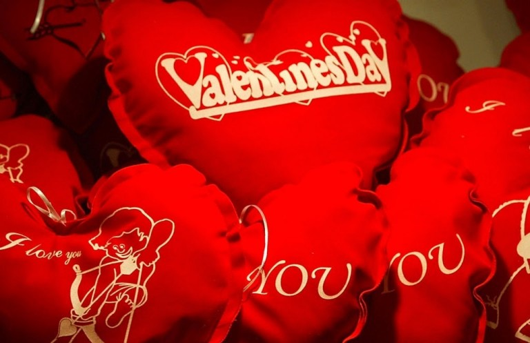 Valentines Day Status in Hindi & English
