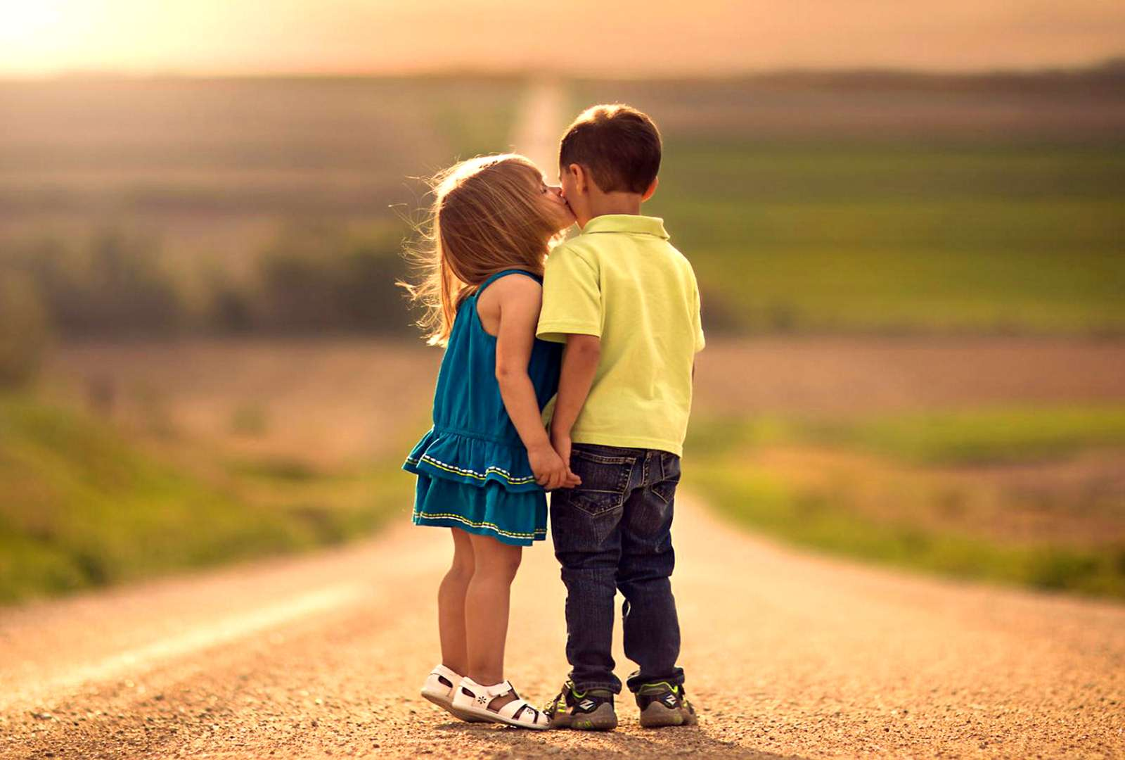 Romantic Hug Day Image with GF, BF & Crush